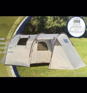 Четырехместная палатка с большим тамбуром