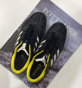 Кроссовки футзалки adidas