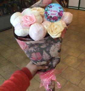 Подарочный сладкий букет цветы