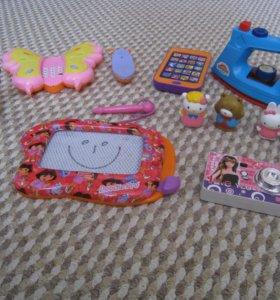 Интересные игрушки для маленькой девочки