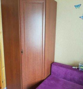 стенка (угловой шкаф и комод)