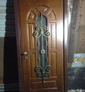 Дверь DEFENDER (фирма Аманит) выставочная