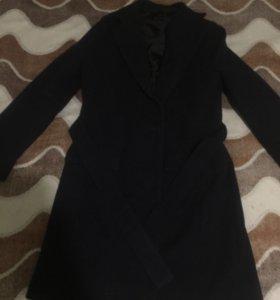 Пальто двубортное размер 44-46