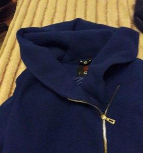 Пальто женское драповое.