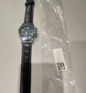 Кварцевые часы Yazole (новые)