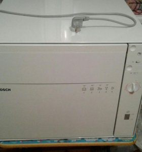 Посудомоющая машина BOSCH.