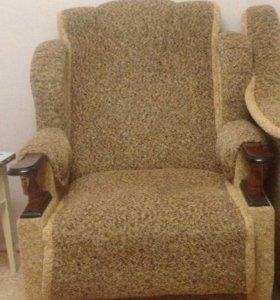 Кресла 2 штуки