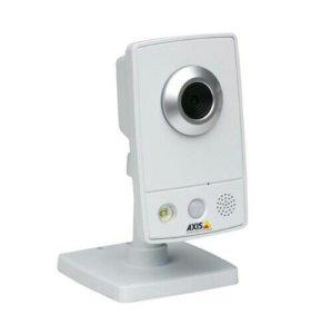 Компактная IP видеокамера Axis M1031-W
