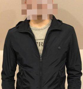 Продаю мужскую куртку (ветровку) Antony Morato