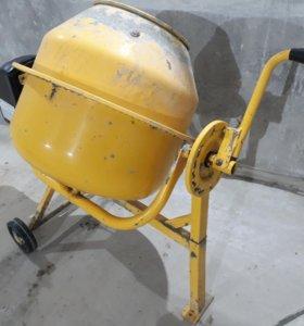 Продам бетоносмеситель на 65 литров
