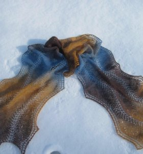 Палантин из эстонской шерсти ручной работы