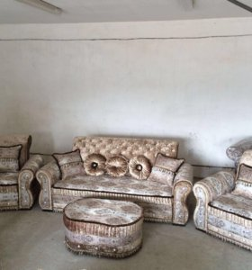 Мадонна диван два кресла.