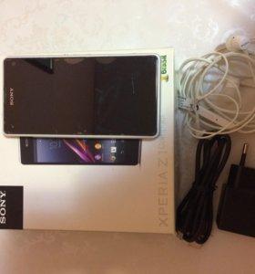 Продаю мобильный телефон Sony Xperia Z1 Compact
