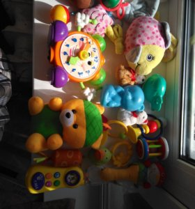 Детские игрушки погремушки