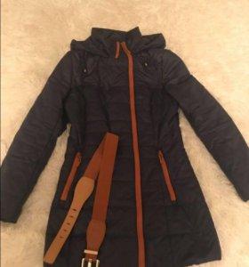 Продам демисезонную куртку р-р 42-44