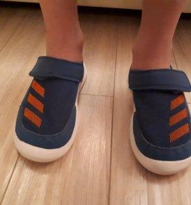 Босоножки для мальчика adidass