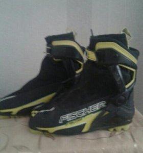 лыжи и ботинки