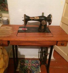 Подольская ножная швейная машина