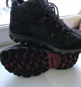 Ботинки от Merrell