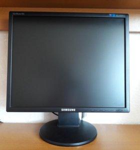 Монитор Samsung 943 19 дюймов квадратный 1280x1024