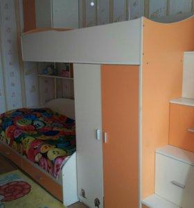 Детская двухярусная кровать со шкафом