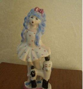 Фарфоровая статуэтка Мальвина и пудель