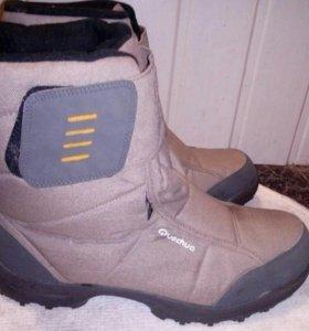 Ботинки зимние Quechua р.42-43