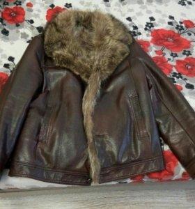 Кожаная куртка, мех енот