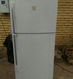 Холодильник двухкамерный SHARP