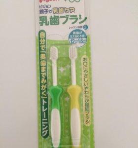 Зубные щетки от 12 мес Pigeon япония