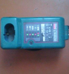 Зарядное устройство Макита