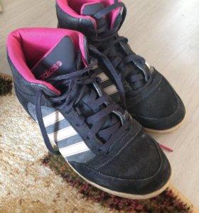 Кроссовки adidas neo 37