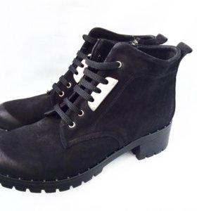 Ботинки НОВЫЕ 40-41 размер натуральная замша