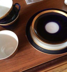 Чашки тарелка и блюдечки
