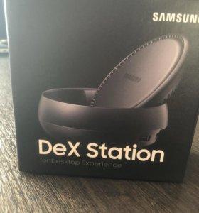 Мультимедийная док-станция Samsung DeX