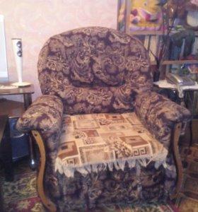 Продам диван и 2 кресла. Недорого