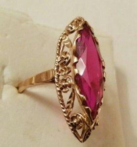 Старинное золотое кольцо