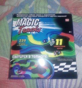 Игровой набор Magic Tracks 220 деталей.