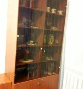 Шкаф со стёклами