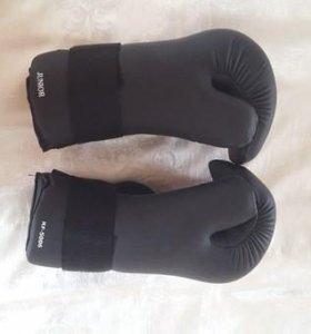 Боксерские перчатки atemi