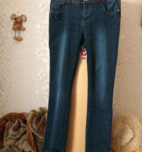 Продам джинсы и балоневые штаны