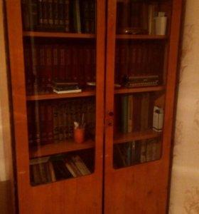 диван, шкаф, тумба с зеркалом, комод, кровать