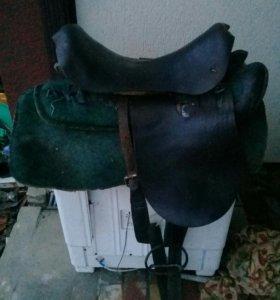 Седло для лошади в хорошем состояние