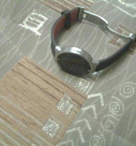 Умные часы Alcatel