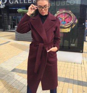 Пальто в чёрном цвете ( новое )
