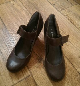 Кожаные туфли 39 р-ра