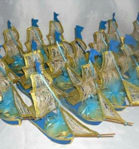 Кораблики с конфетами для детей