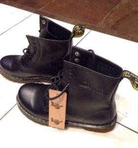 Новые ботинки Dr. Martens