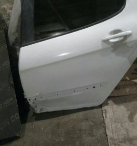 Задняя левая дверь на Peugeot 308 ( Пежо 308)