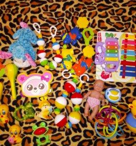 Игрушки пакетом для малышей